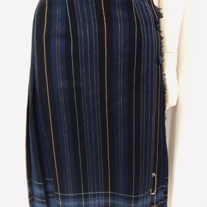 🇨🇦Vintage Canadian tartan wool skirt w/pin small